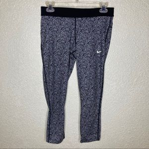 Nike Dri Fit 3/4 Legging Size M Pocket